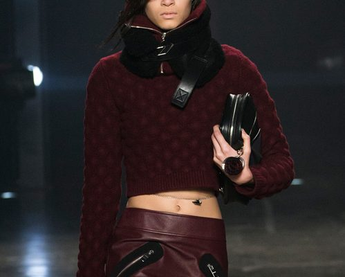 The belly chain comeback at Versus Versace Fall-Winter 2017-2018